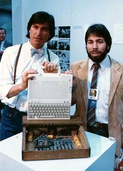 Стив Джобс и Стив войняк