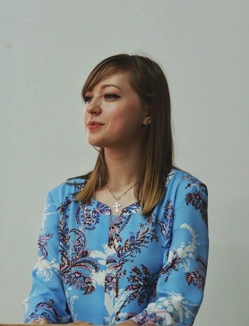 менеджер Анастасия Ветлугина