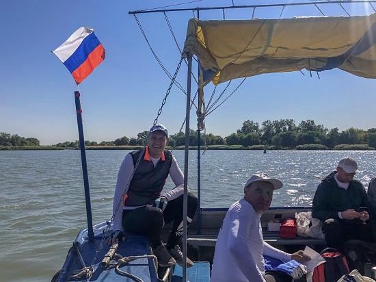 Сергей Мелихов, с командой гребцов прошел новый супермарафон - 75 км на веслах